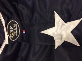 Détail casaque finition personnalisée